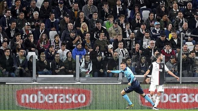 Juventus gagal meraih kemenangan dalam laga terakhir mereka di pentas Serie A musim ini. Bianconeri hanya bisa bermain imbang 1-1 sat menjamu Atalanta di Stadion Allianz. (REUTERS/Massimo Pinca)