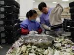 Perang Dagang & Pelonggaran BI Bantu Rupiah Kalahkan Yuan