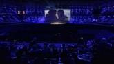 Selain penampilan episode 6, acara nonton bareng tersebut juga berisi konser dari sejumlah musisi lokal. (REUTERS/Maxim Shemetov)