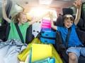 7 Cara Orang Tua Membuat Anak Bahagia