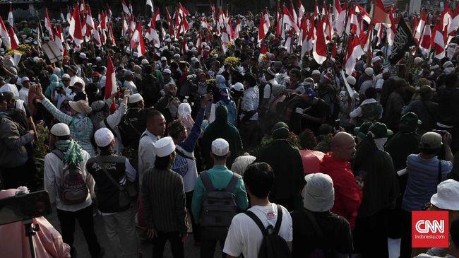 Polisi Catat 1.330 Orang Masuk Jakarta dan Menginap di Masjid