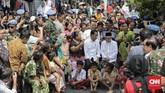 Hasil rekapitulasi nasional KPU menyebutkan bahwa Jokowi-Ma'ruf memperoleh 85.036.828 suara sah atau 55,41 persen. Sementara, paslon nomor urut 02 Prabowo-Sandi mendapatkan 68.442.493 suara atau 44,59 persen. (CNN Indonesia/Adhi Wicaksono)