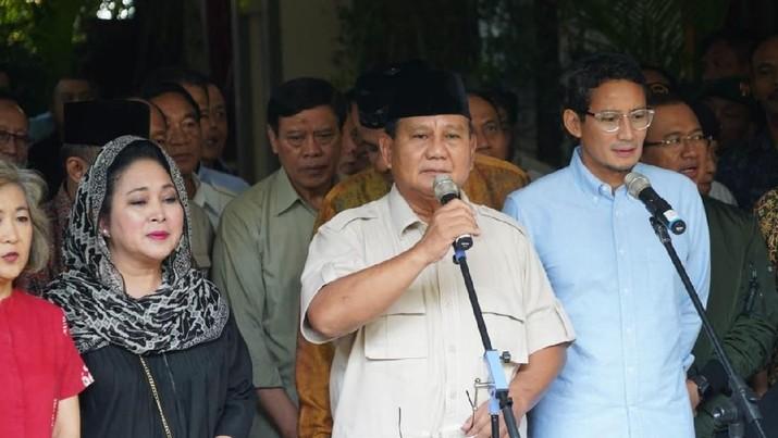 Dalam surat gugatannya, Prabowo-Sandi minta dan perintahkan KPU untuk mengangkat dirinya jadi Presiden terpilih.