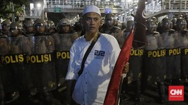 Massa Mulai Berkumpul di depan Bawaslu, Polisi Mengadang