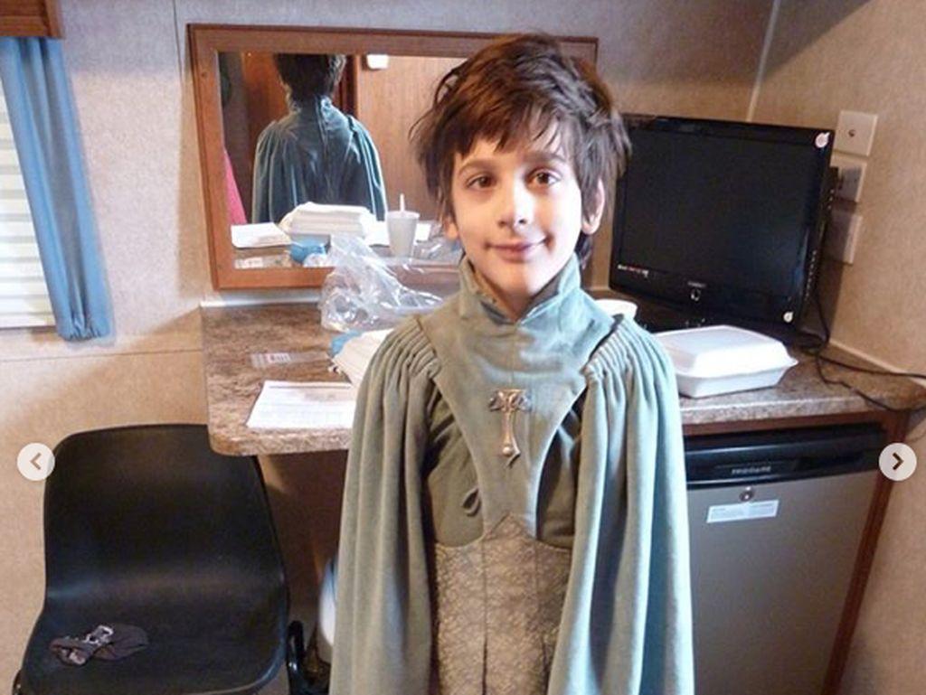 Lino Facioli jadi pembicaraan para fans Game of Thrones karena penampilannya sebagai Robin Arryn. Meski hanya muncul sebentar, ia berhasil merebut hati fans. Foto: Dok. Instagram/lino.facioli