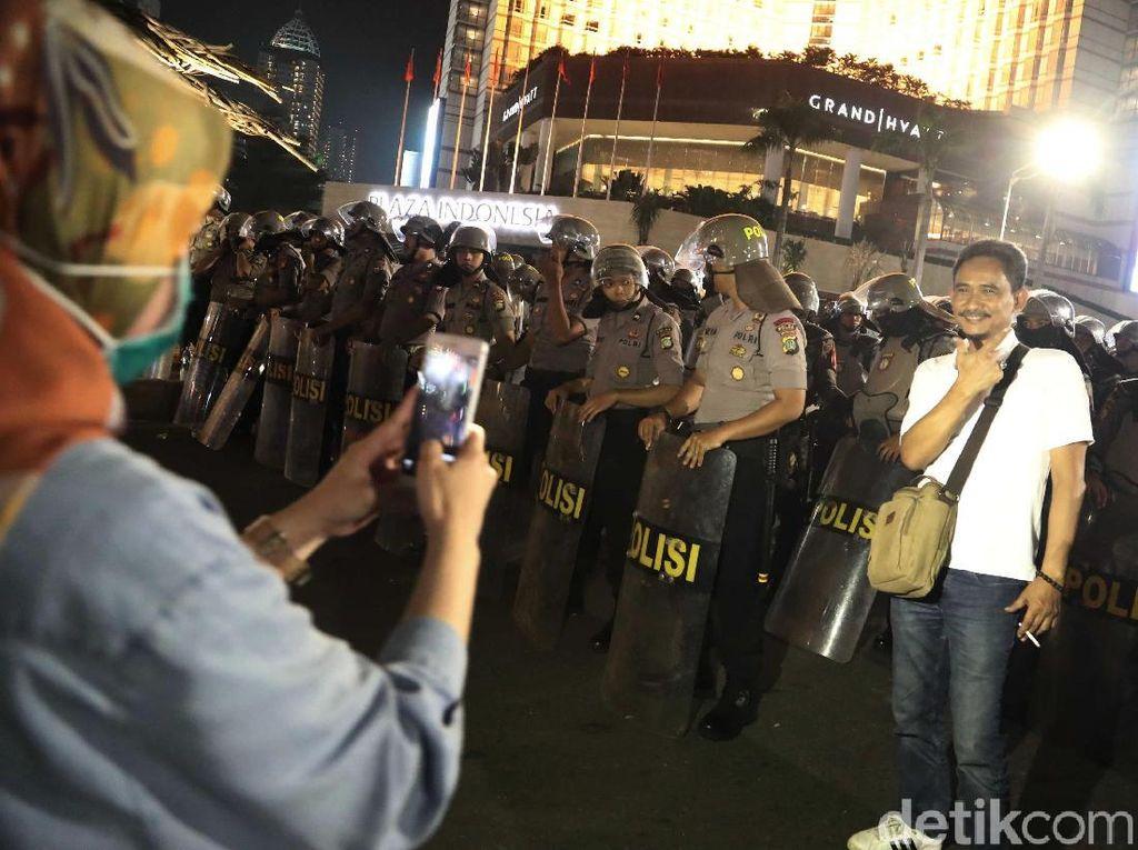 Kata Dokter Jiwa Soal 'Wisata Demo', Tren Foto-foto Berlatar Kerusuhan