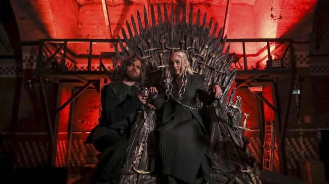 Episode terakhir yang disiarkan menjadi penting bagi penggemar Game of Thrones karena akan menentukan siapa yang akhirnya duduk di Iron Throne. (REUTERS/Evgenia Novozhenina)