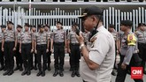 Menanggapi pengumuman kemenangan Jokowi-Ma'ruf oleh KPU, kubu pasangan Prabowo Subianto-Sandiaga Uno bersepakat menggugat hasil penghitungan suara ke Mahkamah Konsitusi. CNNIndomesia/Safir Makki