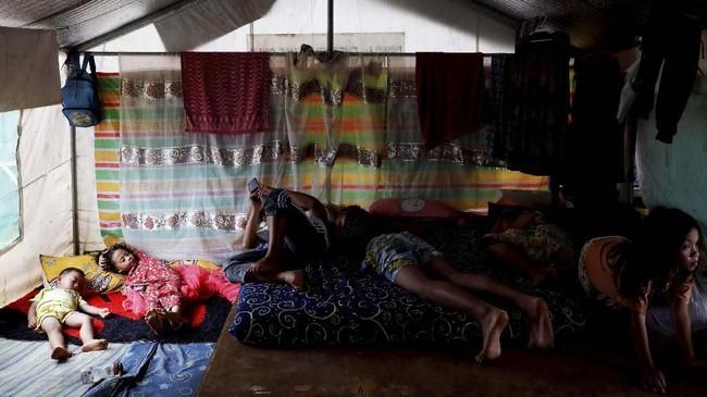 Proses pemulihan pasca perang di Marawi berjalan lambat. Bahkan masih ada penduduk yang tinggal di pengungsian karena rumah mereka hancur lebur. (REUTERS/Eloisa Lopez)