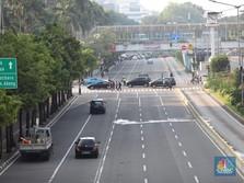 Massa Padati Jalan Thamrin, McDonald's & KFC Pilih Tutup