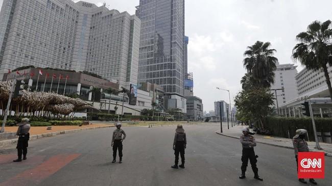 Kericuhan akibat Aksi 22 Mei terjadi sejak Selasa (21/5) malam hingga Rabu pagi dan menjalar ke Tanah Abang dan wilayah lain. CNN Indonesia/Adhi Wicaksono