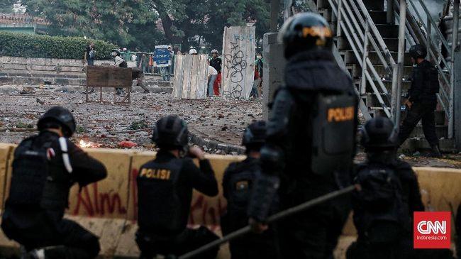 Pasca Ricuh Jakarta, Netizen Ungkap Duka dalam #SaveIndonesia