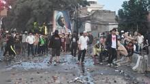 Massa Aksi 22 Mei dan Aparat Masih Saling Serang di Slipi