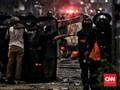 Polisi Kepung Massa di Jalan Sabang dan Wahid Hasyim