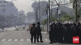 Berselawat, Majelis Zikir Tenangkan Massa Demo di Slipi