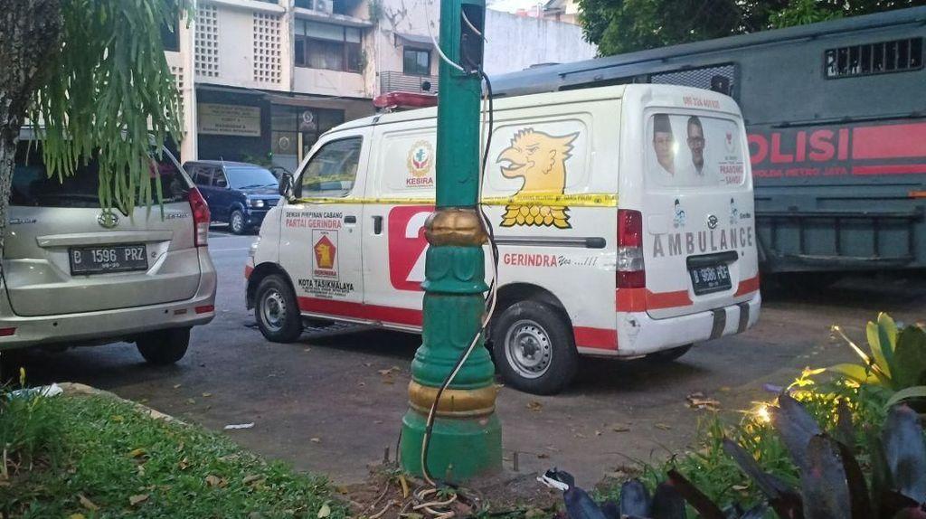 Ambulans Berlogo Gerindra yang Berisi Batu Belum Bayar Pajak