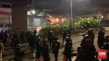 Massa Gunakan Molotov, Api Berkobar di Dekat Pasar Tenabang