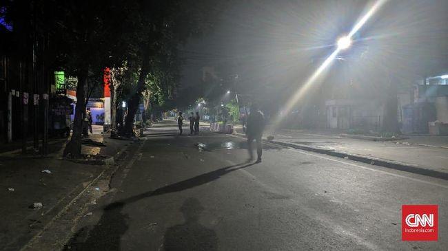 Massa dan Polisi Sempat Bentrok di Jalan Sabang