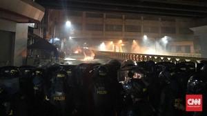 Kronologi Malam Mencekam di Sekitar Bawaslu Versi Polisi