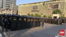 Massa Kondusif, Polisi Tetap Siaga di Bawaslu dan Petamburan