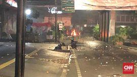 Jalan Wahid Hasyim Lumpuh, Pasukan Tambahan Tiba Hadapi Massa