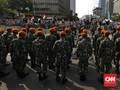 Personel TNI Tiba di Bawaslu, Massa Teriak 'Polisi Pulang'