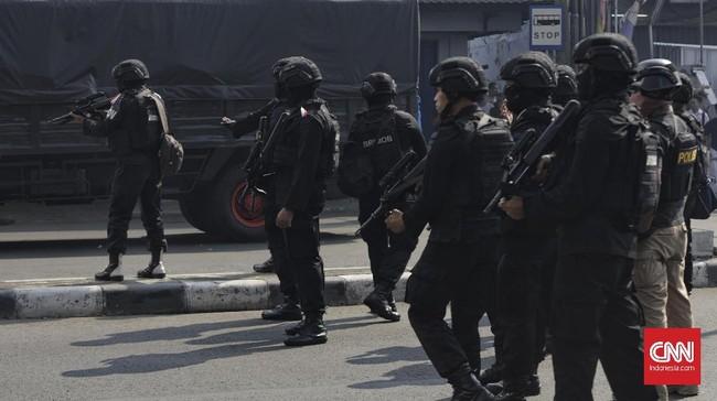 Para korban dirawat di sejumlah rumah sakit mulai dari RS Tarakan, RS Pelni, RS Budi Kemuliaan dan RS TNI AL Mintoharjo..(CNN Indonesia/Adhi Wicaksono)