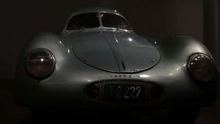 FOTO: Lelang Porsche Pertama di Dunia Ditaksir Capai Rp290 M