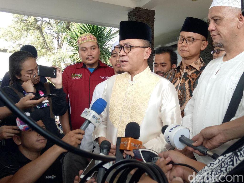 Zulkifli Hasan menyebut Ustaz Arifin Ilham adalah aseorang guru dan sahabat bagi dirinya.