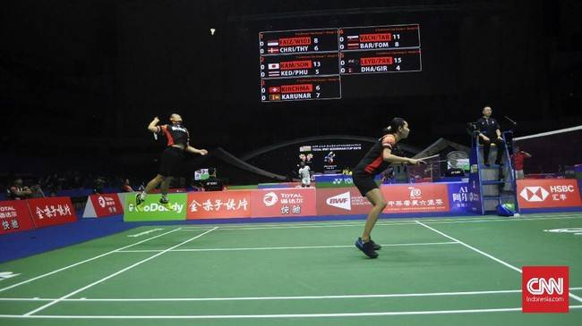 Ganda campuran Indonesia, Hafiz Faisal/Gloria Emanuelle Wijaya kalah 17-21 dan 11-21 dariMathias Christiansen/Sara Thygesen di partai pertama. (CNN Indonesia/Putra Permata Tegar)