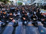 Di Balik Demo 22 Mei: Momen Bukber Aparat hingga Video Call