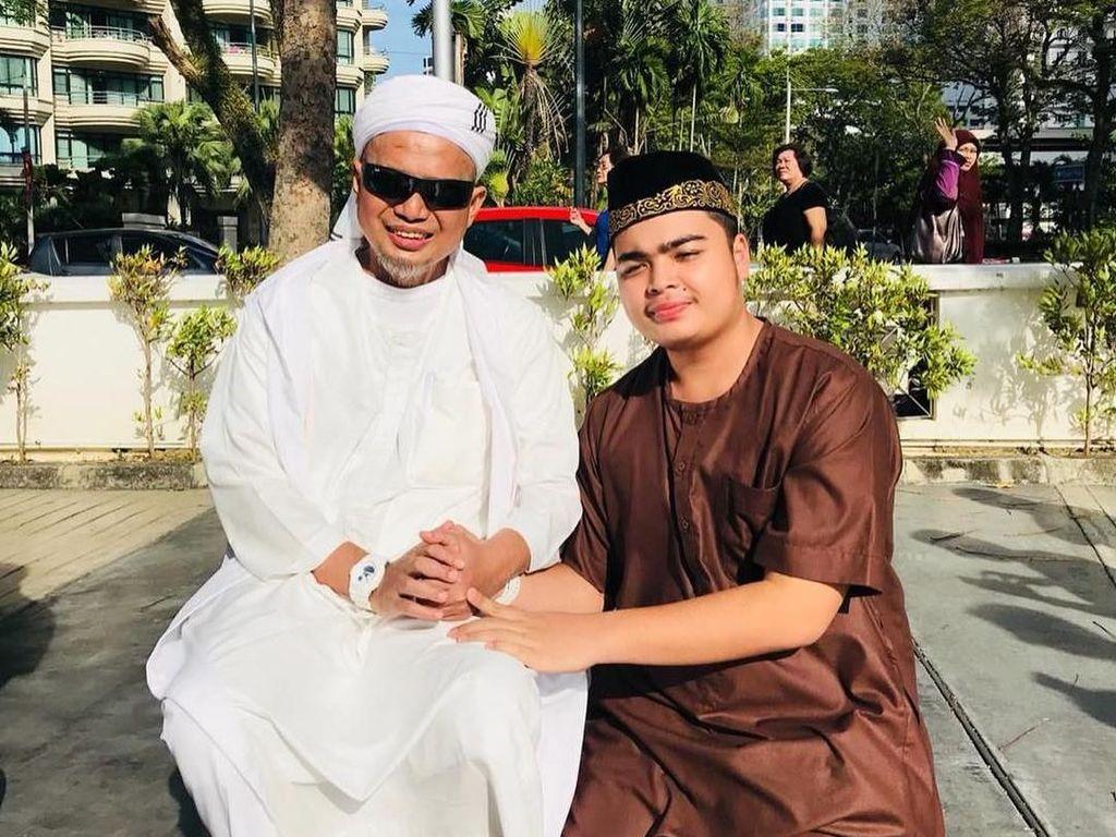 Curhat Pilu Putra Arifin Ilham, Harus Tegar Demi Sang Ibu