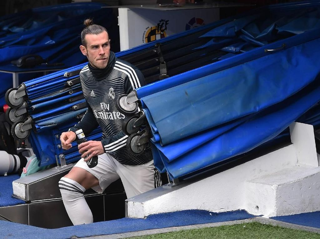 Gareth Bale kabarnya sudah tak diinginkan Zidane dan suporter Real Madrid. Namun, karena masih terikat kontrak sampai tiga tahun ke depan dan punya gaji besar, Bale sepi peminat. Foto: Denis Doyle/Getty Images
