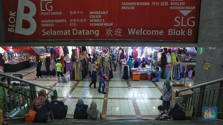 Pasar Tanah Abang yang sudah ditutup sejak 27 Maret, semula akan dibuka pada Senin (6/4/2020)