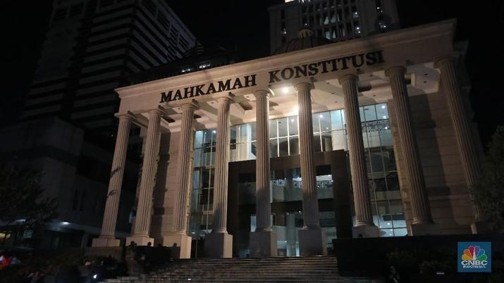 MK gelar sidang dengan agenda pembacaan putusan sengketa perselisihan hasil pemilihan umum presiden 2019-2024 di gedung MK, Kamis (27/6/2019), pukul 12.30.