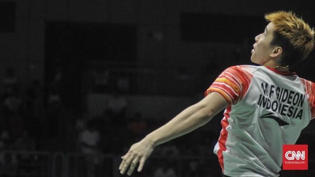 Marcus Gideon melakukan smes. Kevin/Marcus menang dua gim langsung atas ganda Taiwan Lee Yang/Wang Chi-Lin 21-17 dan 21-17. (CNN Indonesia/Putra Permata Tegar Idaman)