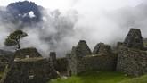 Kemudian wisatawan hanya diberi waktu maksimal empat jam untuk berada di dalam kawasan Machu Picchu.