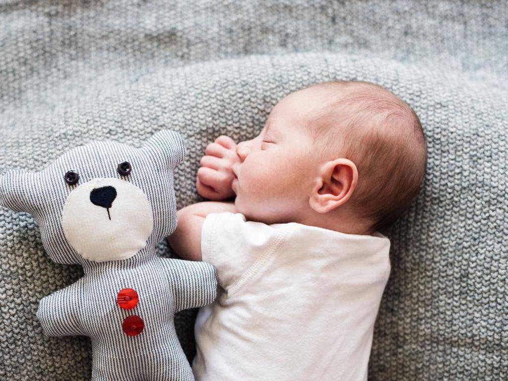 30 Nama Bayi Perempuan Islami dengan Arti Diberkati Allah