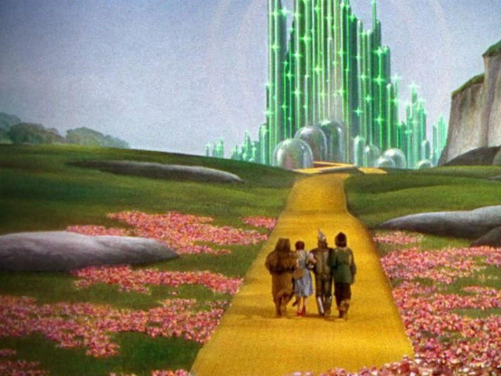 Land of Oz. Dalam cerita The Wizard of Oz, Land of Oz mungkin jadi pengantar arus utama pertama di dunia untuk rekaan dunia fantasi. Land of Oz memperlihatkan bahwa dunia fantasi juga bisa memiliki cerita yang dalam. Foto: via Brainberries