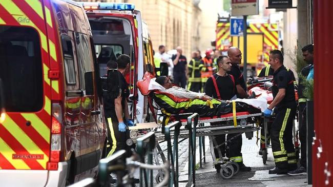 Insiden ini mengguncang beberapa hari sebelum Prancis menggelar pemilihan umum Parlemen Eropa pada pekan depan. Keamanan dan terorisme adalah dua topik penting yang menjadi sorotan dalam kampanye pemilu. (AFP Photo/Philippe Desmazes)