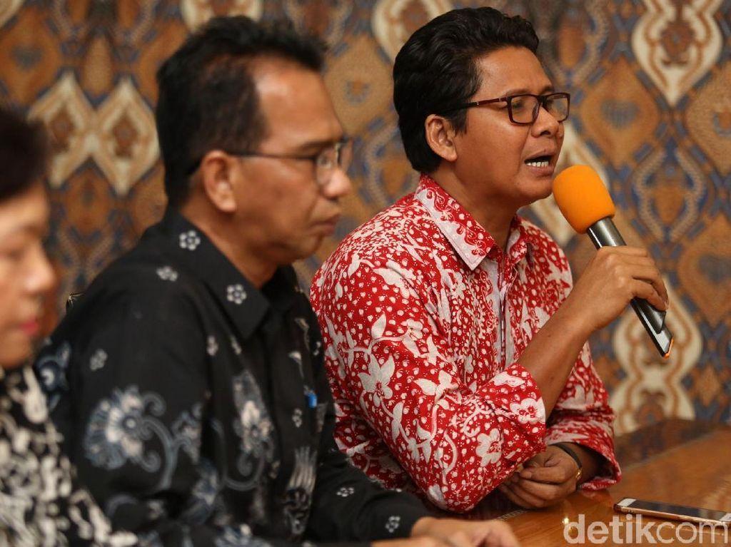 Para mantan komisioner Komnas HAM itu pun mendukung pemerintah untuk melakukan investigasi secara menyeluruh terkait kerusuhan yang terjadi di sejumlah lokasi di Jakarta tersebut.