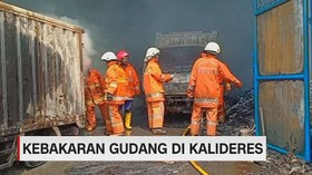 VIDEO: Kebakaran Gudang di Kalideres