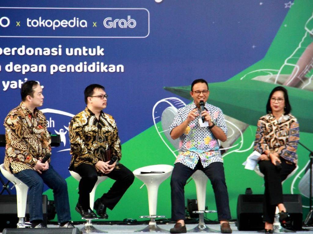 """Penyerahan donasi juga dilakukan simbolis lewat program """"Patungan Untuk Berbagi"""" yang diadakan pada 25 - 26 Mei 2019 di Parkir Selatan, Senayan, Jakarta."""