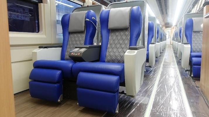 Kereta semi cepat Jakarta-Surabaya memasuki babak baru.