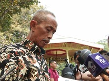 Usma Pedagang Korban Demo Ricuh 22 Mei Dapat Uang dari Jokowi