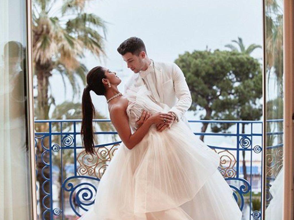 Nick Jonas dan Priyanka Chopra mulai berkencan pada 25 Mei di tahun lalu.Dok. Instagram/priyankachopra