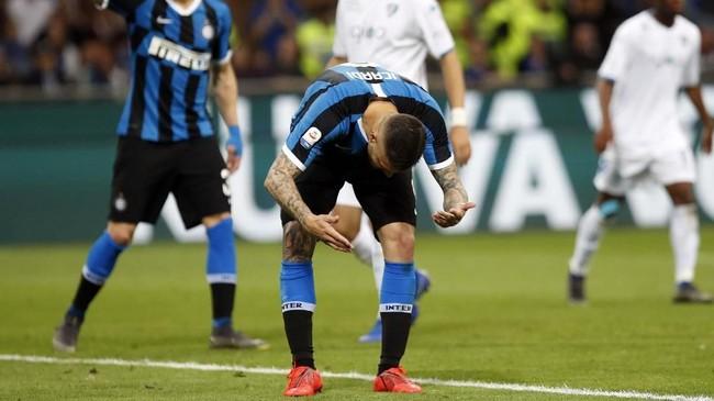 Inter gagal menambah keunggulan di pertengahan babak kedua setelah tendangan penalti Mauro Icardi bisa diblok kiper Empoli Bartlomiej Dragowski di menit ke-61. (AP Photo/Antonio Calanni)
