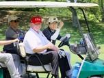 Usai Sumo & Main Golf, Trump & Abe Bahas Perjanjian Dagang