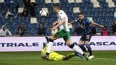 GelandangAlejandro Gomez membawaAtalanta unggul 2-1 di menit ke-53. Gol tersebut membuat peluang La Dea untuk kali pertama ke Liga Champions makin terbuka. (Paolo Magni/ANSA via AP)
