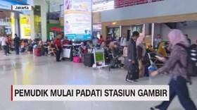 VIDEO: Pemudik Mulai Padati Stasiun Gambir